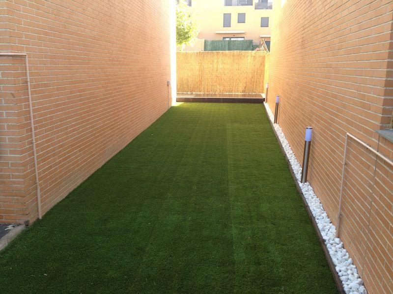 Reforma jardín y espacio exterior de chalet en Madrid.
